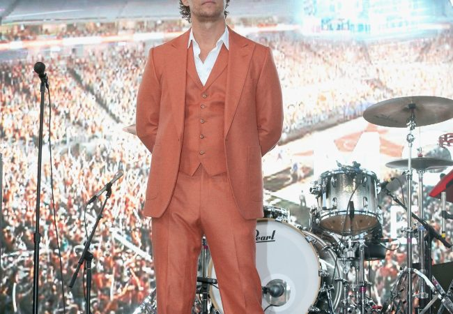 Matthew McConaughey's Hook-Em-Horns Suit Is Alright, Alright, Alright